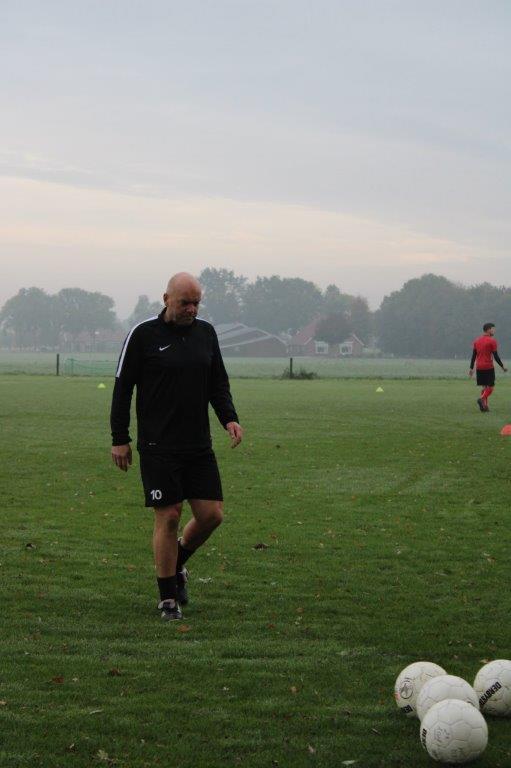 Trainer André Evers vertrekt bij het tweede elftal