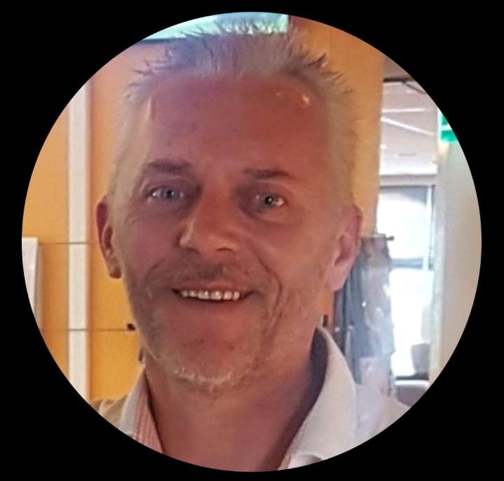 Theo Mennings trainer tweede elftal